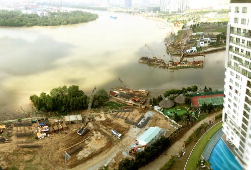 Hình ảnh tiến độ xây dựng cây cầu nhìn từ Diamond Island