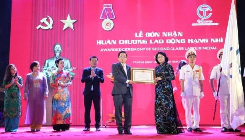 Tập đoàn C.T Group vừa đón nhận huân chương lao động hạng Nhì của Nhà nước.