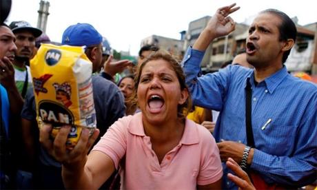 Venezuela đang khan hiếm lương thực trên diện rộng. Ảnh: Reuters