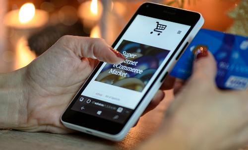 Người tiêu dùng trực tuyến Việt Nam đang có xu hướng sắm Tết online thông qua ứng dụng di động.