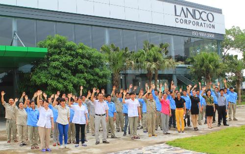 Landco tập trung mạnh vào việc xây dựng đội ngũ cán bộ nhân viên chất lượng cao, đồng thời xây dựng văn hóa và môi trường làm việc chuyên nghiệp.