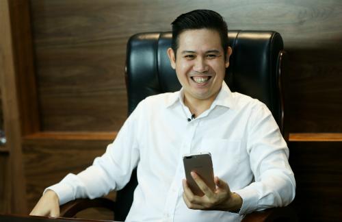 Chủ tịch Phạm Văn Tam cho biết, Asanzo dồn sức kinh doanh smartphone trong 2018.