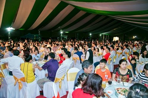 Hơn 1.200 cư dân và khách hàng tham gia lễ ra mắt 38 nhà phố đẹp nhất và tri ân khách hàng của Vạn Phúc.