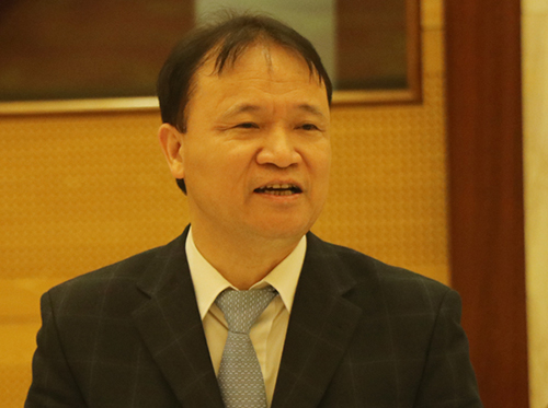 Thứ trưởng Công Thương Đỗ Thắng Hải chia sẻ e ngại của người tiêu dùng về chất lượng mặt hàng xăng E5 - mới được bán đại trà từ 1/1/2018. Ảnh: Võ Hải