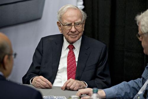 Warren Buffett là người mất nhiều tiền nhất thế giới hôm qua. Ảnh: Bloomberg