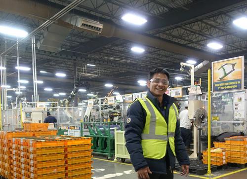 Anh Trần Văn Tỉnh - Sáng lập viên và Tổng giám đốc IMM Group đến thăm nhà máy Ajin sản xuất thân xe cho Hyundai - Kia vào đầu năm 2018.