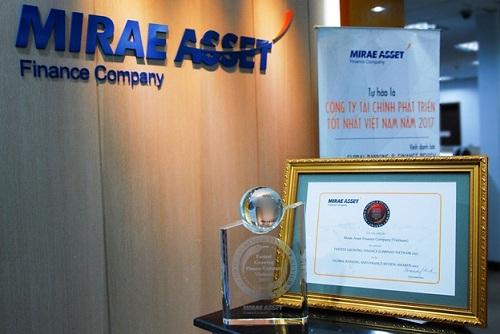 Giải thưởng Công ty tài chính tăng trưởng nhanh nhất Việt Nam 2017 là sự công nhận cho những nỗ lực không ngừng của ban lãnh đạo và toàn thể nhân viên Mirae Asset.