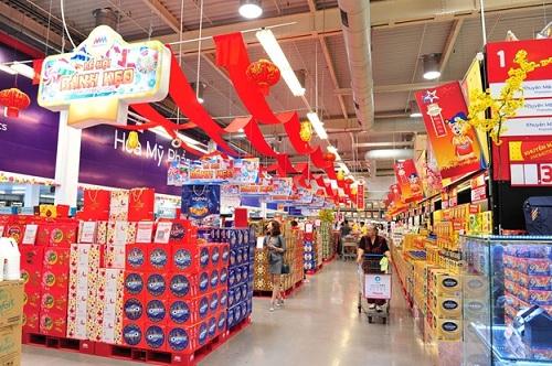 Khách hàng có thể tự chọn lựa các sản phẩm bánh, kẹo, trà& để thiết kế gói quà tặng theo nhu cầu.