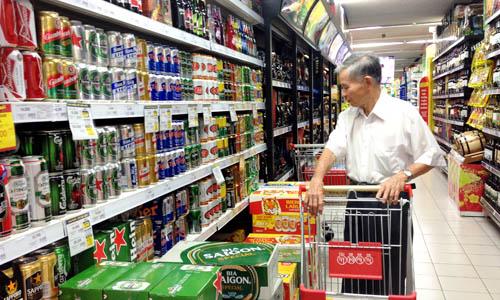 Bia Tết bắt đầu tăng 3 -10% so với ngày thường. Ảnh: Thi Hà