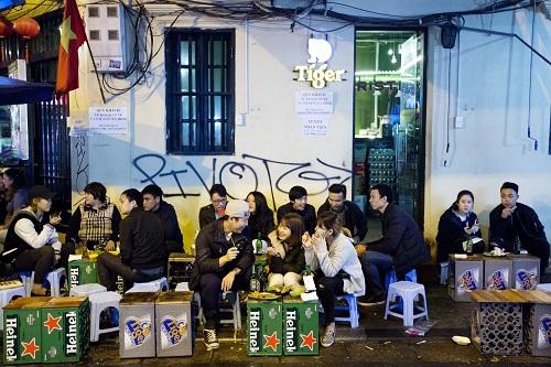 Thị trường bia Việt Nam đang là tầm ngắm của nhiều hãng bia trên thế giới. Ảnh:Bloomberg
