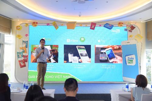 ZaloPay tổ chức nhiều chương trình nhằm hướng người dùng Việt thanh toán qua ví điện tử, không cần tiền mặt.