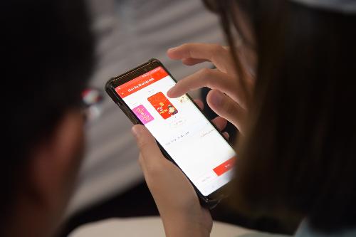 Lì xì Tết qua ví điện tử mang đến trải nghiệm mới mẻ cho người dùng Việt.