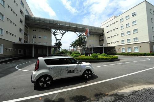 Thử nghiệm xe tự lái của FPT Software tại sảnh toà nhà F-town, Quận 9
