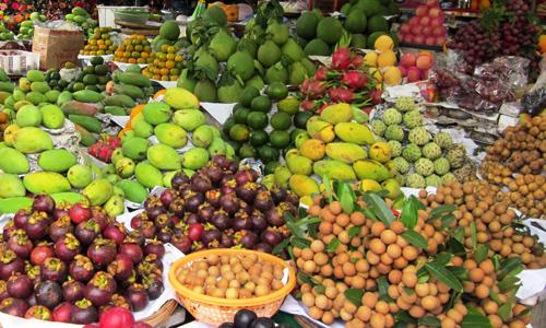 Trái cây tăng giá dịp cận tết.