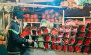 Hoa đắt gấp đôi, socola iPhone X cháy hàng dịp Valentine