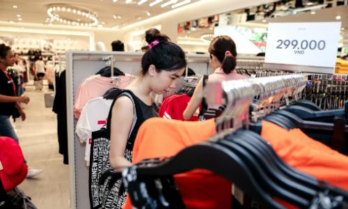Thương hiệu Việt trước sự đổ bộ của thời trang 'mỳ ăn liền'