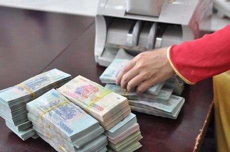 Luật sư cho rằng ngân hàng chờ phán quyết của toà mới trả tiền cho khách hàng bị mất 245 tỷ là chưa thảo đáng. Ảnh: PV.