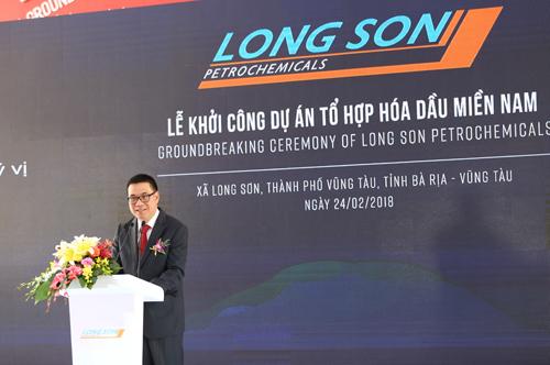 Ông Roongrote Rangsiyopash, Chủ tịch kiêm CEO của SCG phát biểu tại Lễ Khởi công Dự án Tổ hợp Hóa dầu Miền Nam