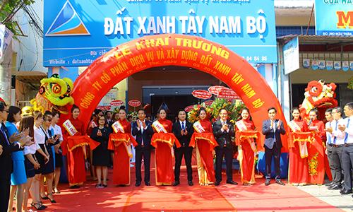 Lễ khai trương công ty CP Dịch vụ và Xây dựng Đất Xanh Tây Nam Bộ.