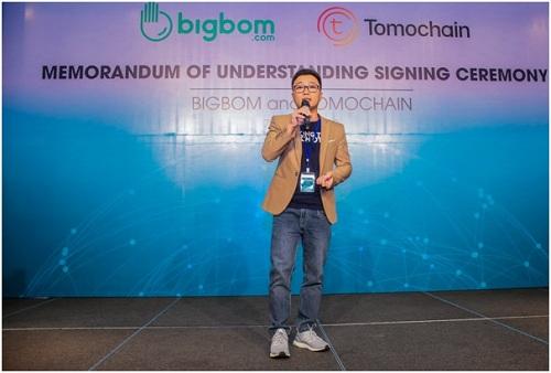 Ông Nguyễn Văn Vững - Tổng giám đốc Bigbom giới thiệu hệ sinh thái cung cấp dịch vụ quảng cáo trực tuyến.