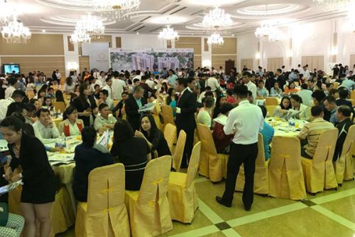 Rất đông khách hàng tham dự lễ mở bán đợt 1 dự án Topaz Twins, Biên Hòa, Đồng Nai.