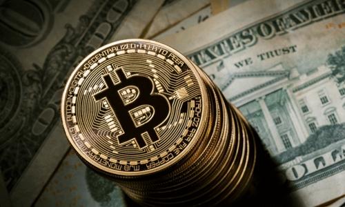 Giá Bitcoin đã liên tục đi xuống từ khi đạt đỉnh giữa tháng 12 năm ngoái. Ảnh: Reuters