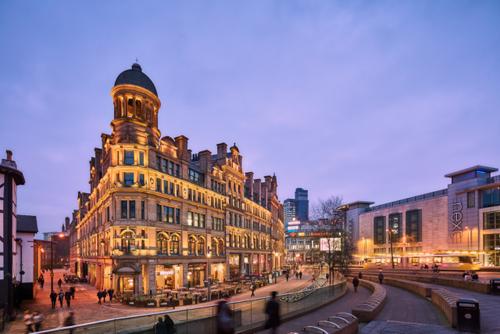 Nhiều người chọn đầu tư vào bất động sản Manchester.
