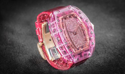 Đồng hồ Sapphire hồng triệu USD về tay nữ đại gia Việt - 2