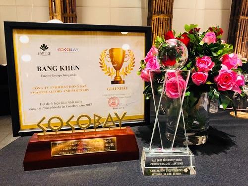 Giải Nhất trong công tác phân phối dự án Cocobay năm 2017 do Tập đoàn Empire Group trao tặng