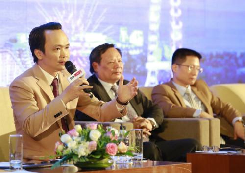 Chủ tịch Tập đoàn FLCTrịnh Văn Quyếtđưa rakiến nghị ngắn và dài hạn cho condotel trướcđại diện 4 bộ.