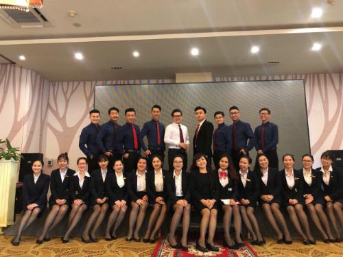 Đội ngũ nhân sự công ty Tâm Thành Khang. Ảnh: NVCC.