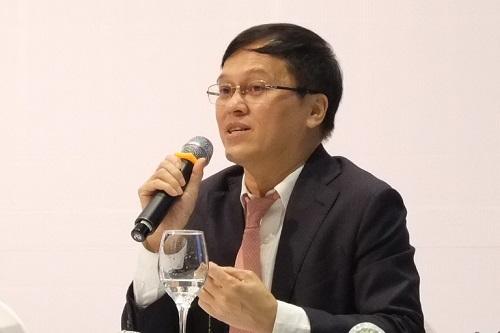 Ông Nguyễn Đức Vinh, Tổng giám đốc VPBank trong phiên họp thường niên chiều 19/3. Ảnh: Minh Sơn