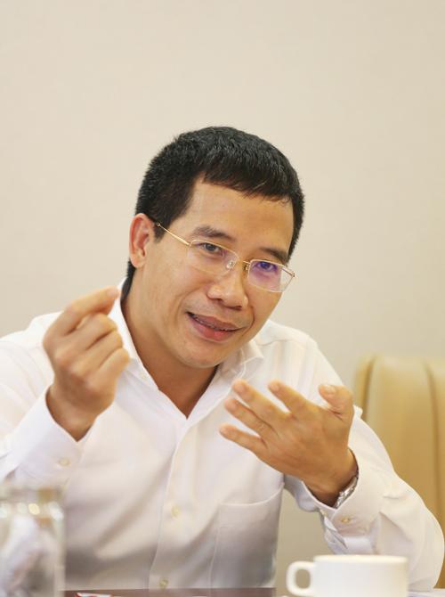 Ông Lưu Trung Thái cho biết MB sẵn sàng cho vay lãi suất thấp hơn, tức là thu về ít lãi hơn một chút để đổi lấy một chính sách bền vững. Ảnh: Minh Minh.