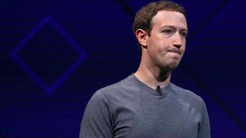 Mark Zuckerberg bị chỉ trích vì khả năng xử lý khủng hoảng trong scandal này. Ảnh: AFP