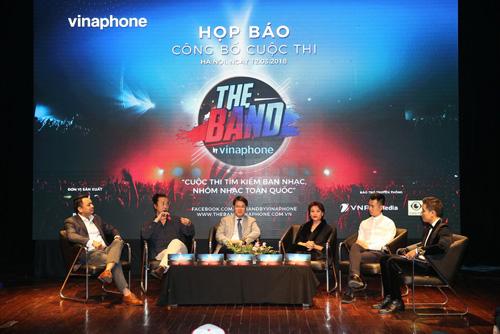 Ban giám khảo cuộc thi bao gồm 3 gương mặt hàng đầu trong lĩnh vực âm nhạc như nhạc sĩLê Minh Sơn, nhạc sĩDương Cầm và biên đạo múa Trần Ly Ly.