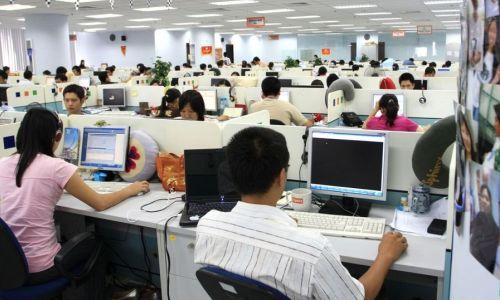 Các chuyên gia cho rằng, nhiều doanh nghiệp Việt vẫn chưa hiểu về nguy cơ của cách mạng công nghiệp 4.0. Ảnh minh họa: FPT