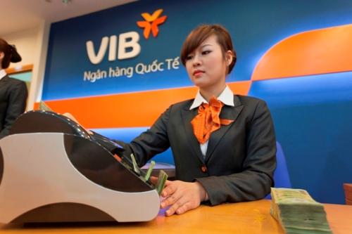 VIB sẽ thưởng cổ phiếu quỹ cho nhân viên có hợp đồng và làm việc từ 12 tháng trở lên.