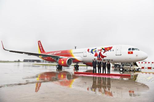 Vietjet nhận máy bay mang biểu tượng 45 năm quan hệ Việt - Pháp.