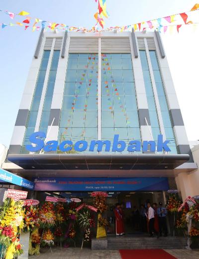 Trụ sở mới chi nhánh quận 7 của Sacombank đặt tại 370 Nguyễn Thị Thập, phường Tân Quy, quận 7, TP HCM.