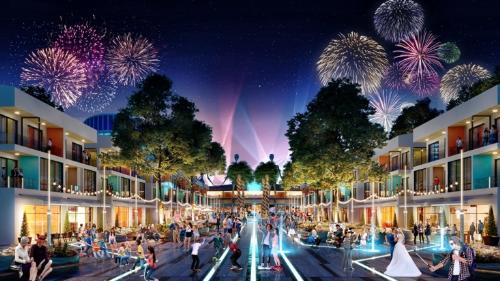 Phố đi bộ tại The Arena vớinhững hoạt động mua sắm, ẩm thực, lễ hội đường phố sôi động. Chủ đầu tư: Công ty CP Đầu tư Xây dựng Vịnh Nha Trang; hotline 1800 54 54 77; website: www.thearena.vn.