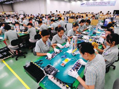 Sản xuất linh kiện, điện thoại di động của Samsung góp phần lớn vào tăng trưởng lĩnh vực công nghiệp.
