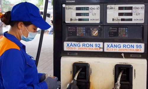 Bộ Tài chính: Đa số Bộ đồng ý tăng thuế môi trường với xăng