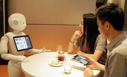 'Đại gia' robot Nhật: Nói người máy cướp việc con người là cường điệu
