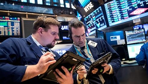 Wall Street gần đây liên tục lao đao vì cổ phiếu công nghệ. Ảnh: AFP