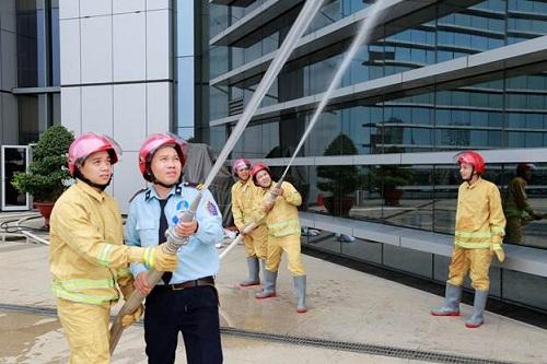 PSA diễn tập PCCC định kỳ tại Petrovietnam Tower 18 Láng Hạ. Cam kết giải quyết được các sự cố hoả hoạn, an ninh giúp chủ dự án ghi điểm trong mắt khách hàng.