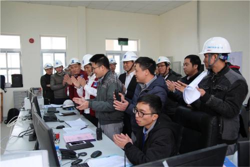 Thời khắc đóng điện thành công hệ thống Sân phân phối 220kV.