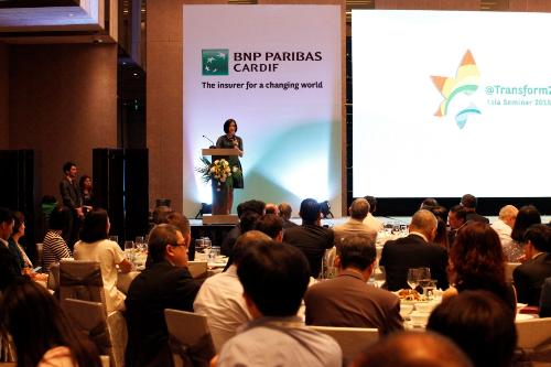 Bà Phùng Nguyễn Hải Yến - Chủ tịch VCLI kiêm Phó tổng giám đốc Vietcombank phát biểu tại sự kiện.