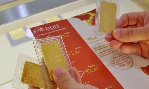Giao dịch mua bán tại Doji. Ảnh: PV.