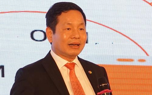 Chủ tịch FPT Trương Gia Bình chia sẻ tại phiên họp thường niên 2018. Ảnh:Minh Sơn