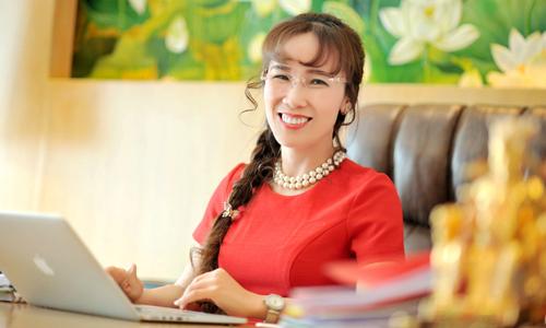 Bà Nguyễn Thị Phương Thảo cùng công ty liên quan nắm một nửa cổ phần Vietjet